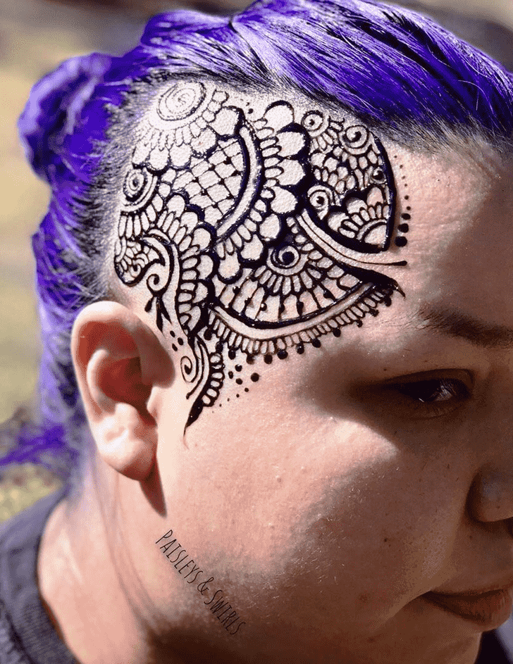 Resplendent Head Henna design