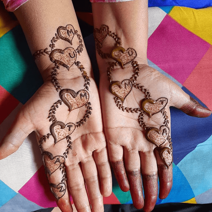 Superb Heart Henna Design on Back of hand