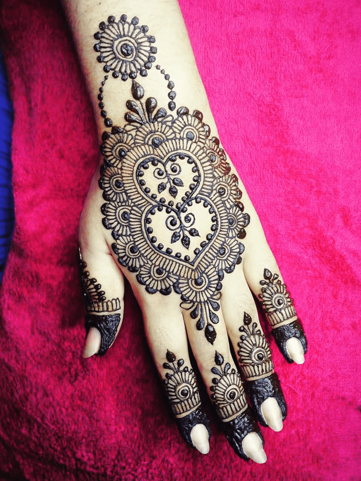 Splendid Heart Henna on Both Hand
