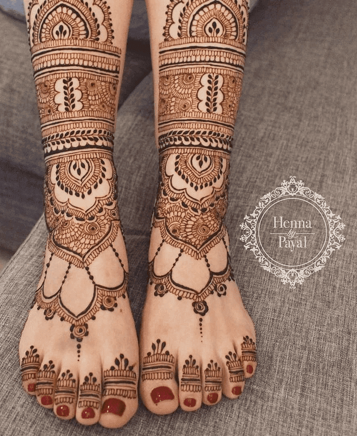 Enticing Henna Design