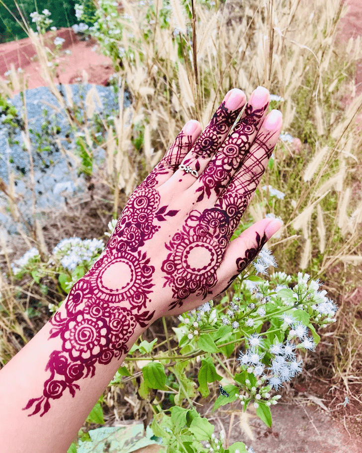 Splendid Henna Design