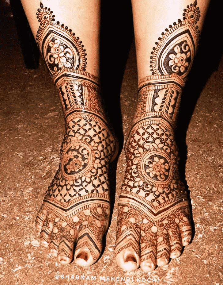 Excellent Holi Henna Design