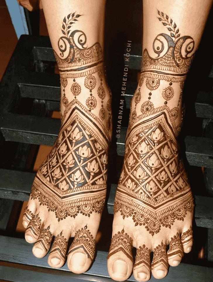 Magnetic Holi Henna Design