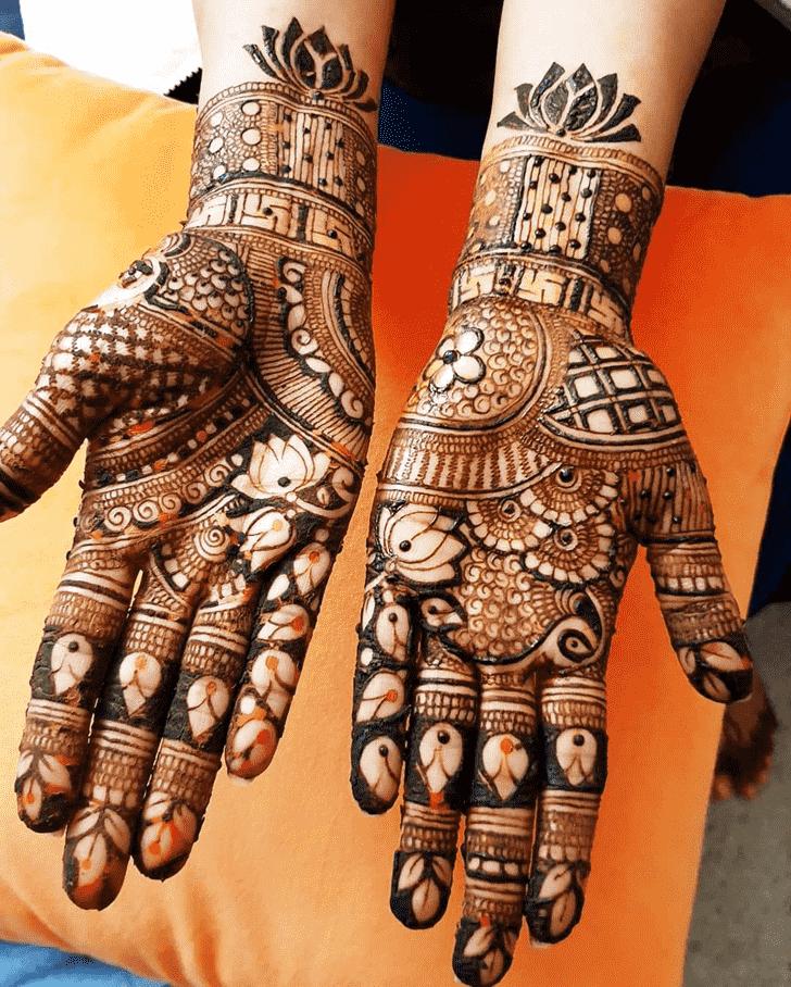 Appealing Hollywood Henna Design