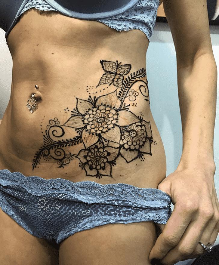 Bewitching Hot Henna Design