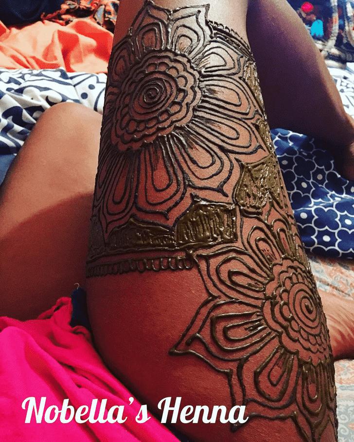 Classy Hot Henna Design