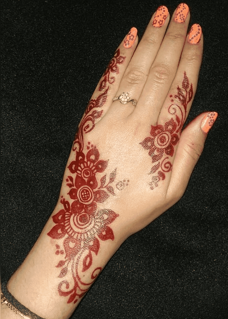 Beauteous Independence Day Henna Design