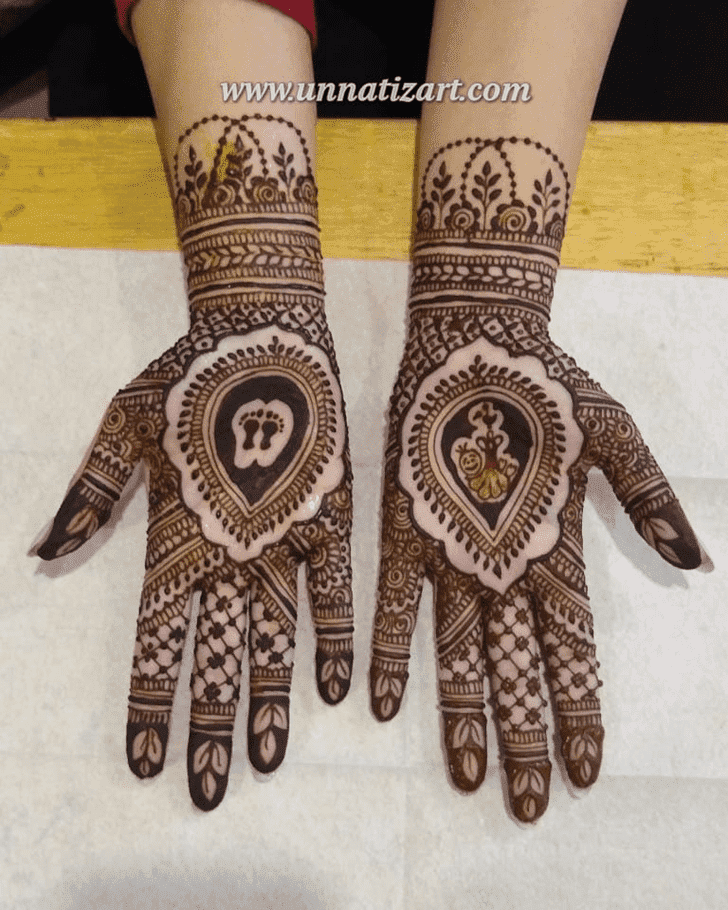 Exquisite Independence Day Henna Design
