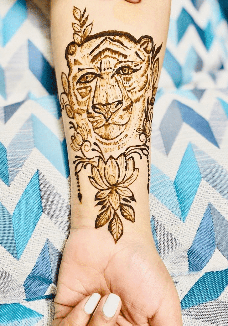 Good Looking Independence Day Henna Design