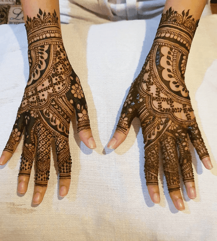 Gorgeous Independence Day Henna Design