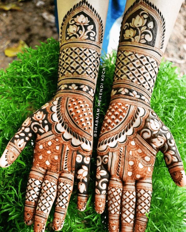 Alluring Indian Henna design