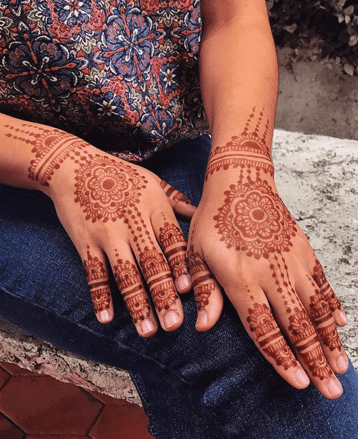Charming Karachi Henna Design