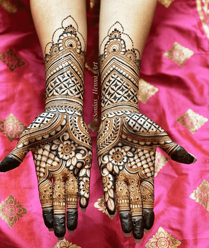 Captivating Kashmiri Henna Design