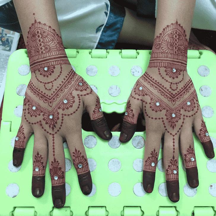 Comely Kasol Henna Design