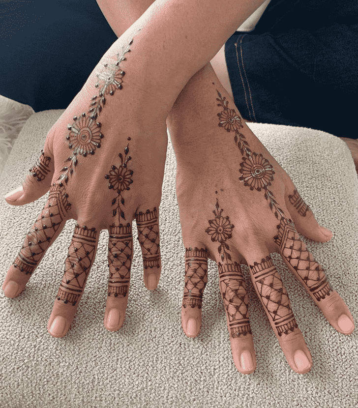 Good Looking Kasol Henna Design