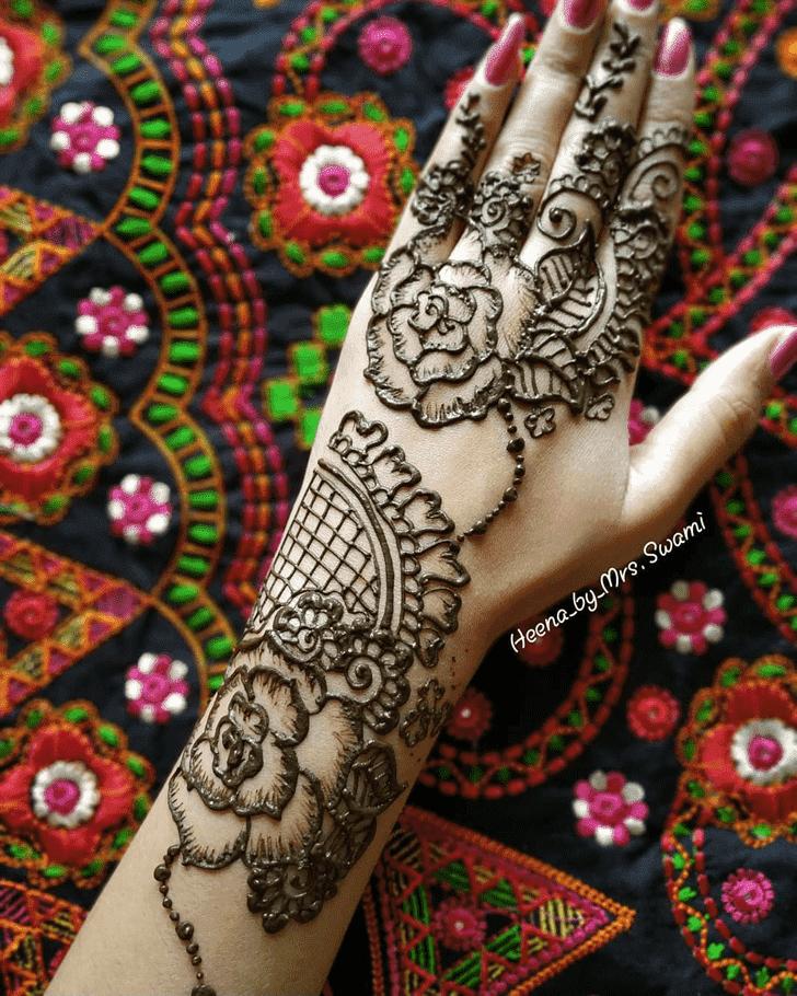 Charming Kathmandu Henna Design