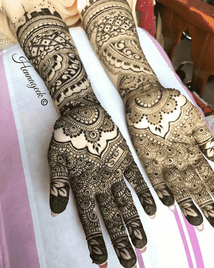 Captivating Khost Henna Design