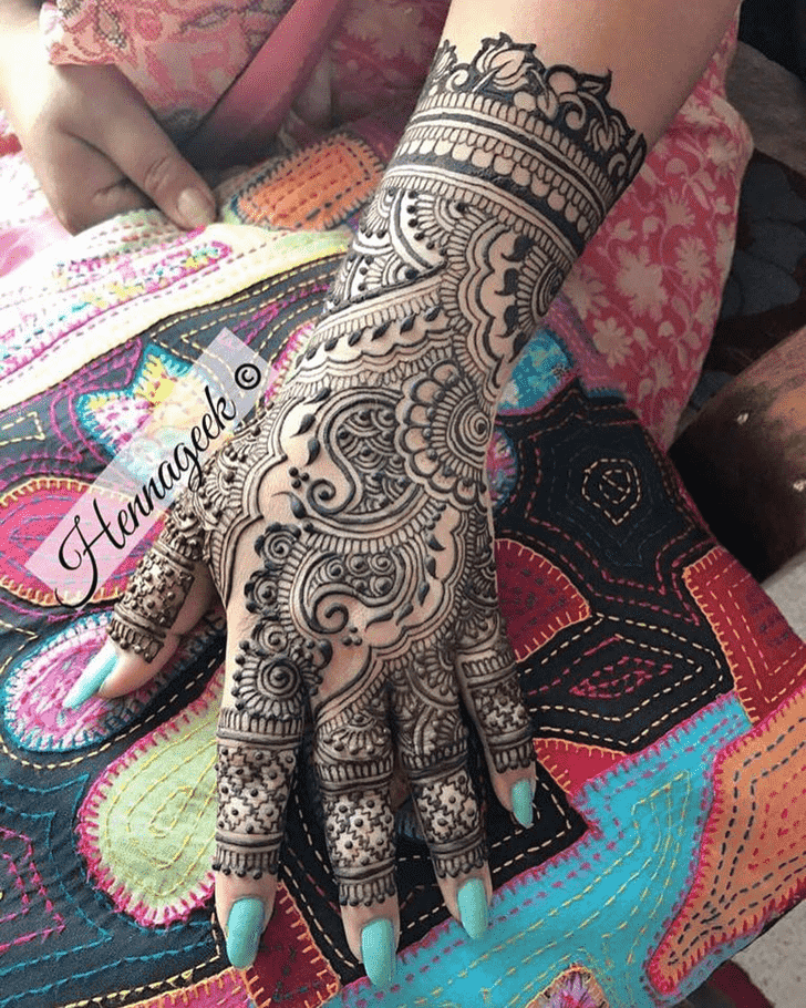 Classy Khost Henna Design
