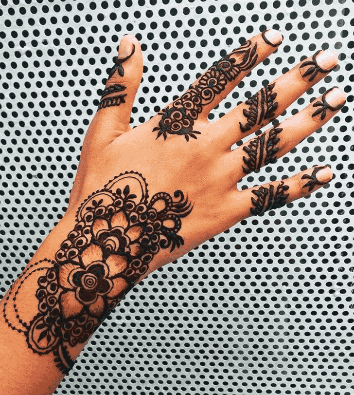 Classy Kochi Henna Design