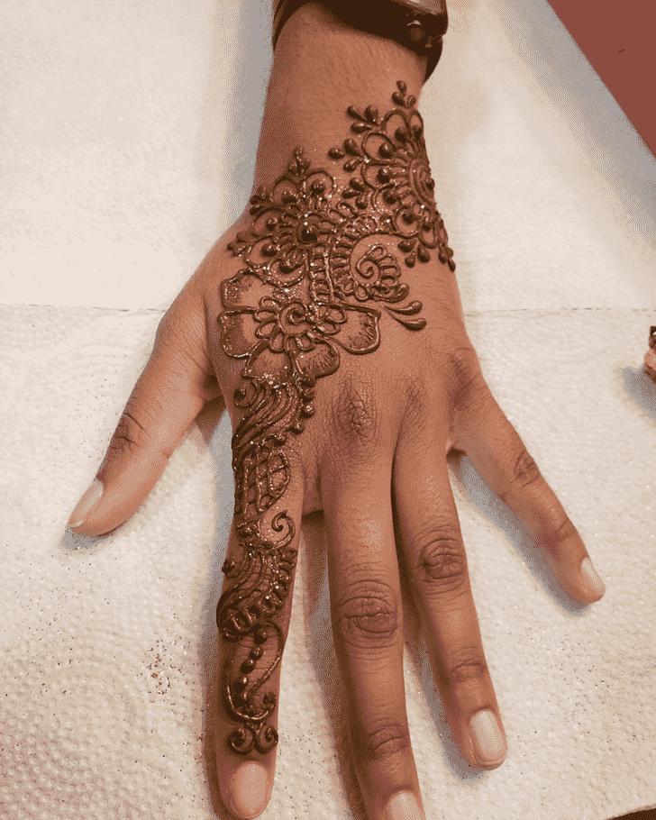 Charming Kumbh Sankranti Henna Design
