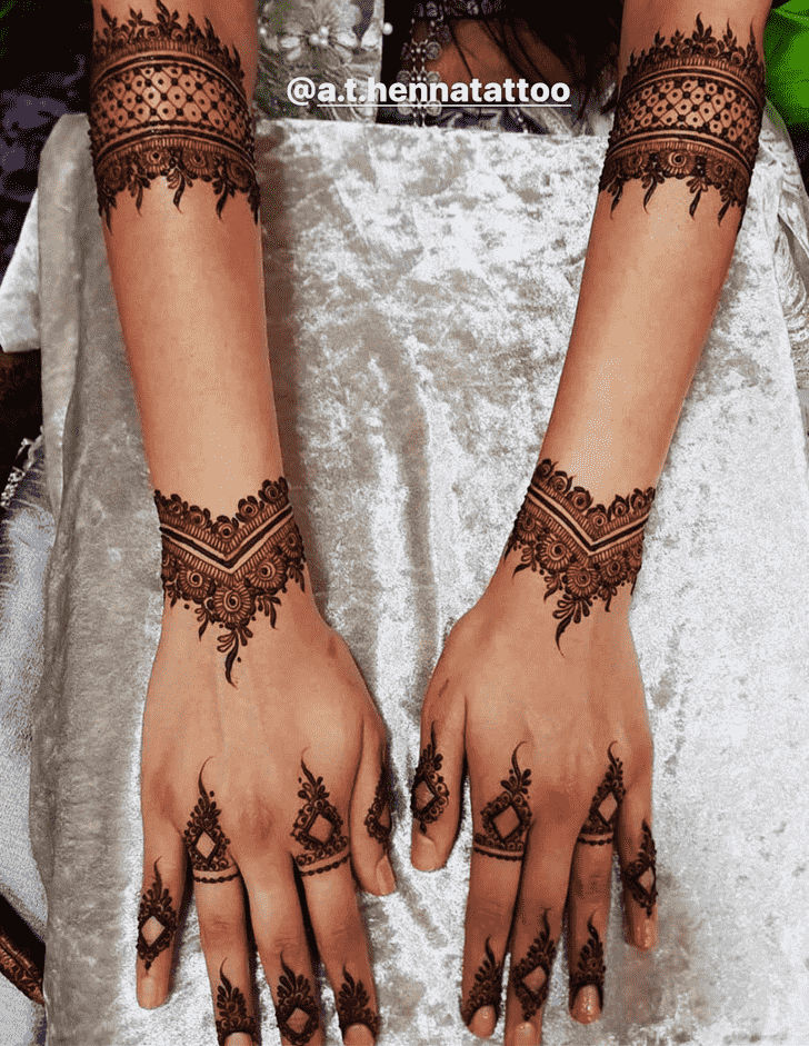 Appealing Kunduz Henna Design