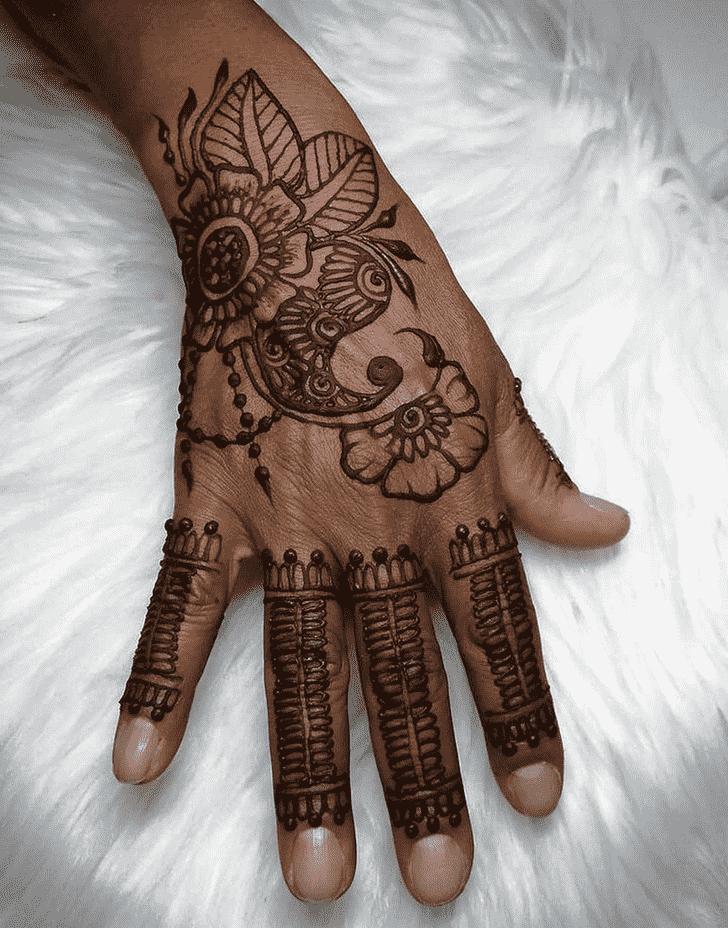 Charming Kunduz Henna Design