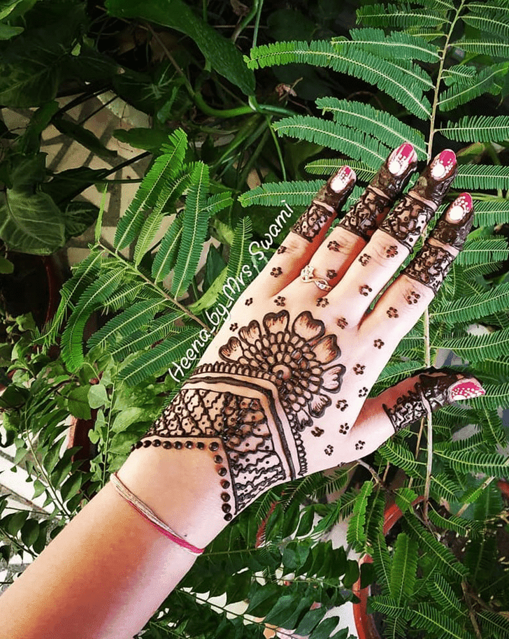 Captivating Kuwait Henna Design