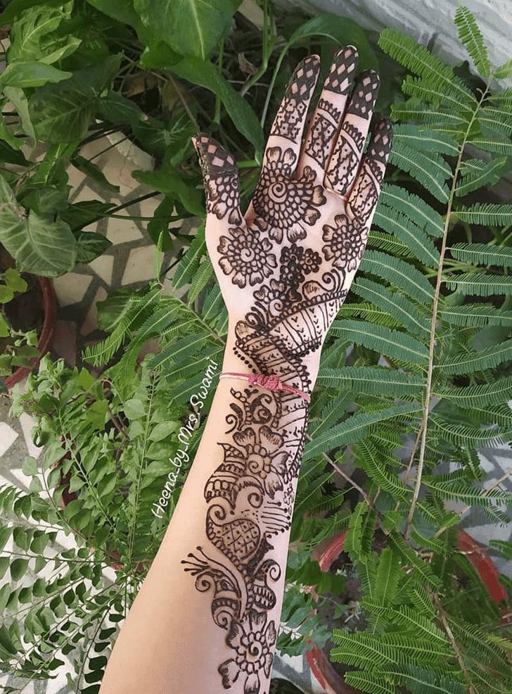 Charming Kuwait Henna Design