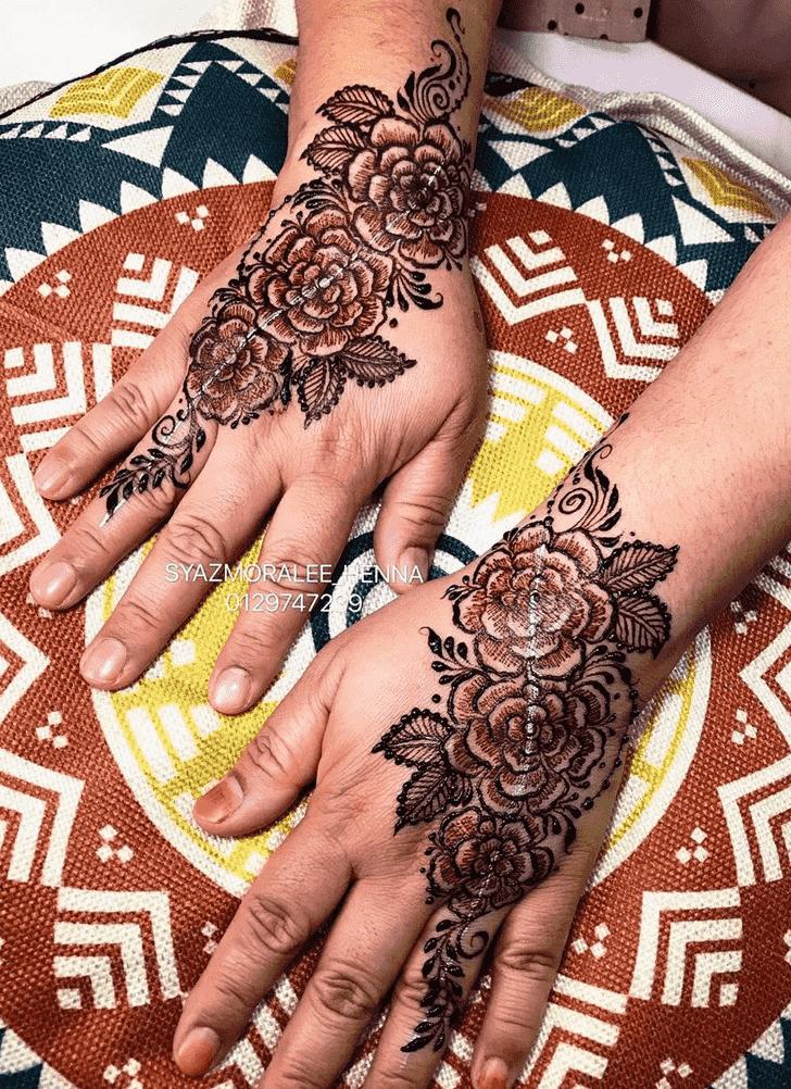 Appealing Larkana Henna Design