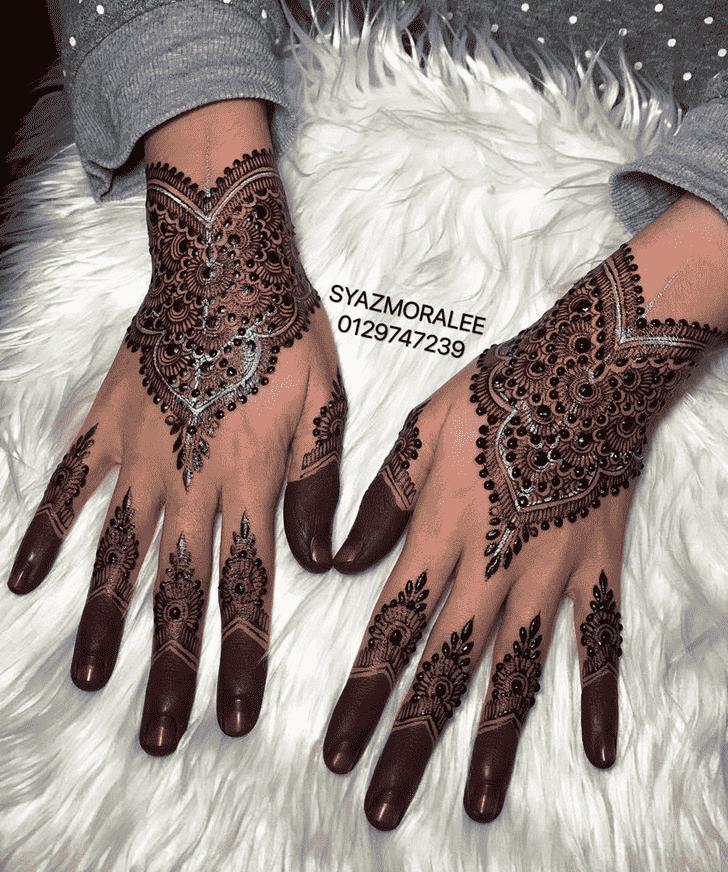 Captivating Larkana Henna Design