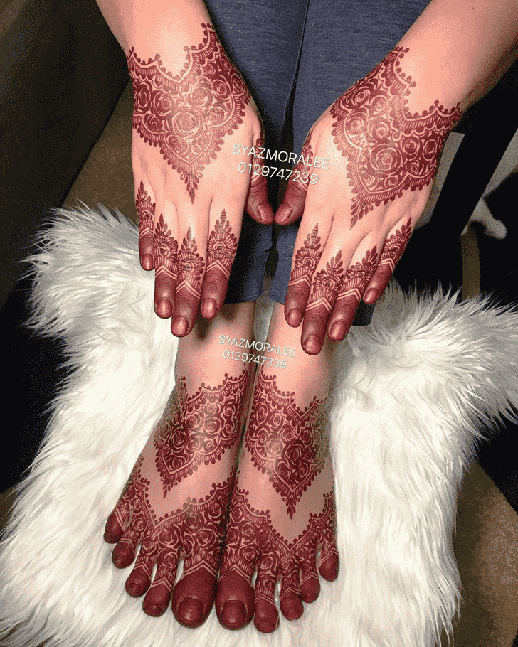 Fascinating Larkana Henna Design