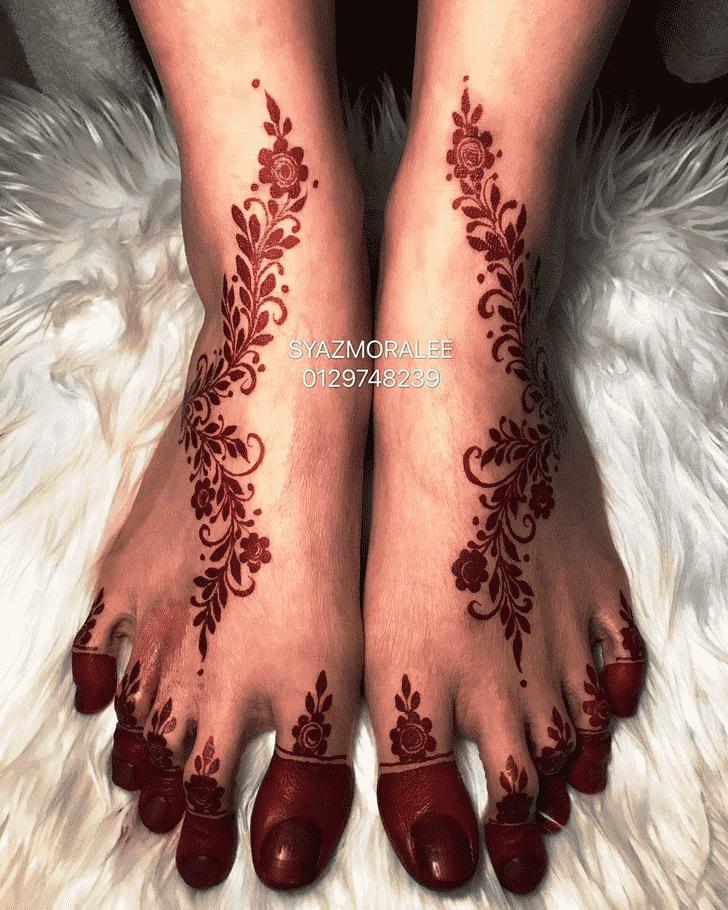 Grand Larkana Henna Design