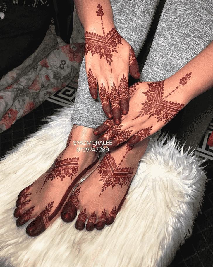 Ideal Larkana Henna Design