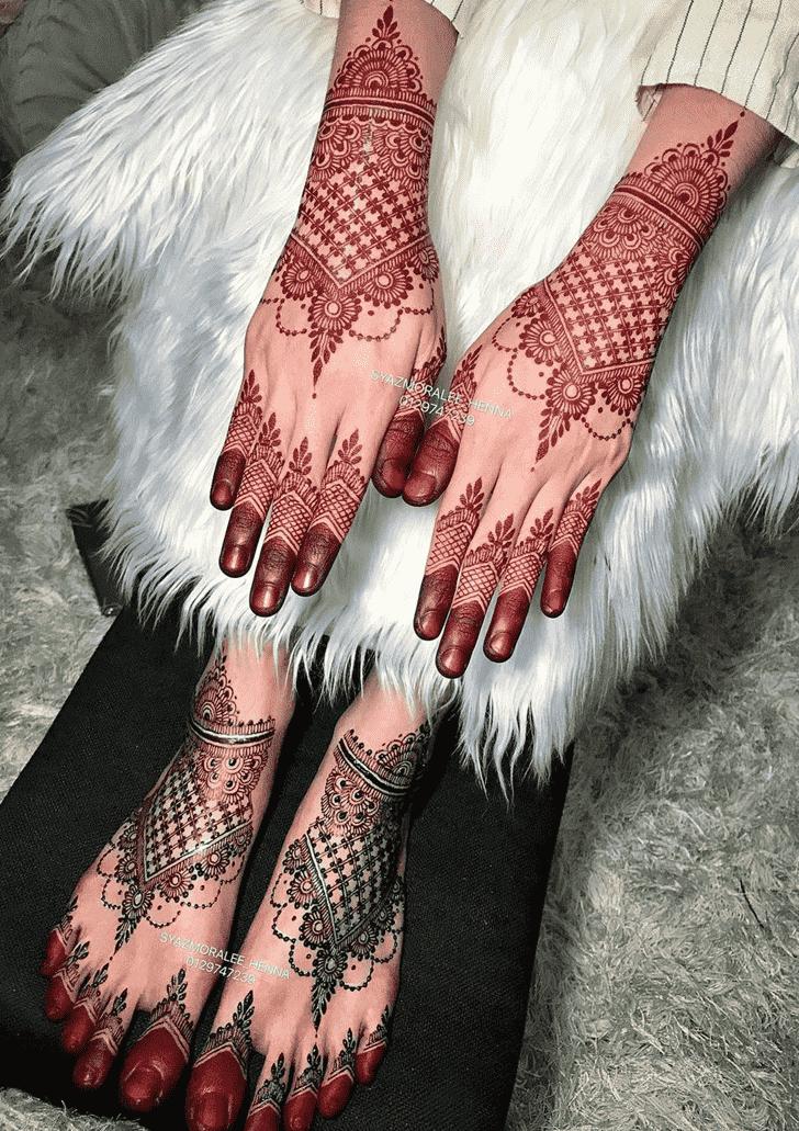 Mesmeric Larkana Henna Design