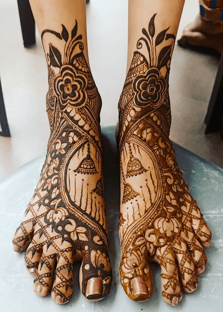 Best Leg Mehndi Design