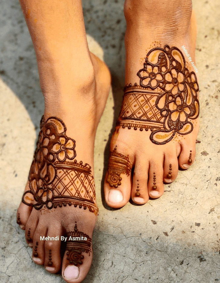 Awesome Leg Henna Design