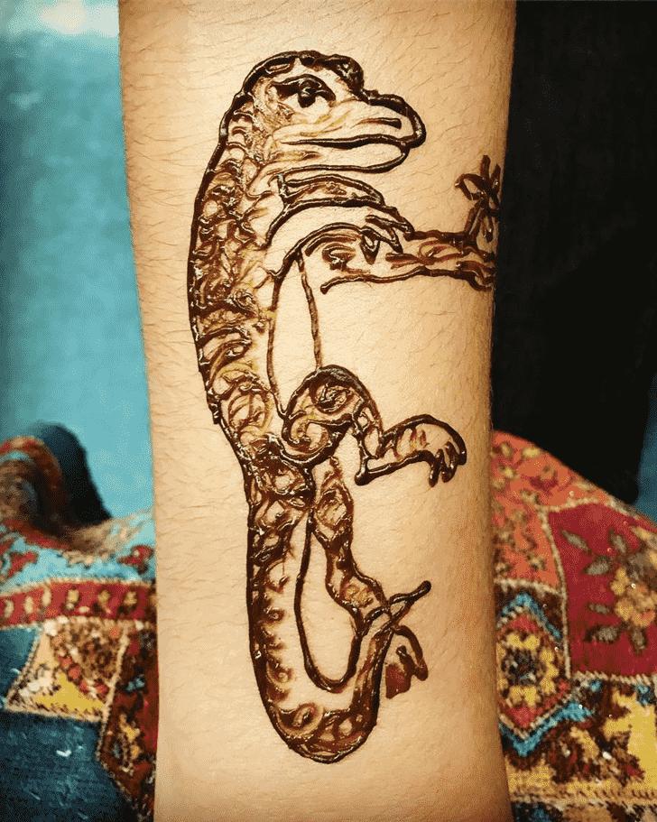 Charming Lizard Henna design