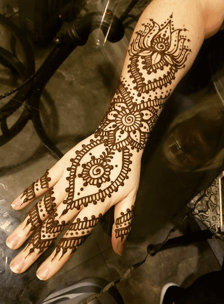 Ideal Lotus Henna Design