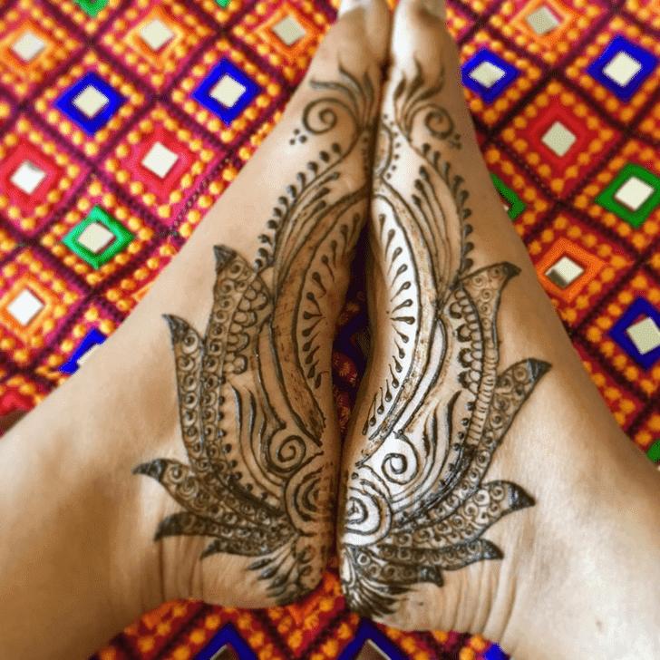 Marvelous Lotus Henna Design