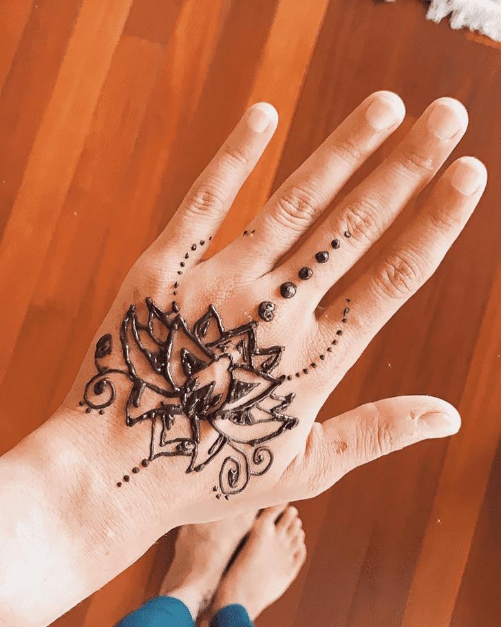Slightly Lotus Mehndi Design
