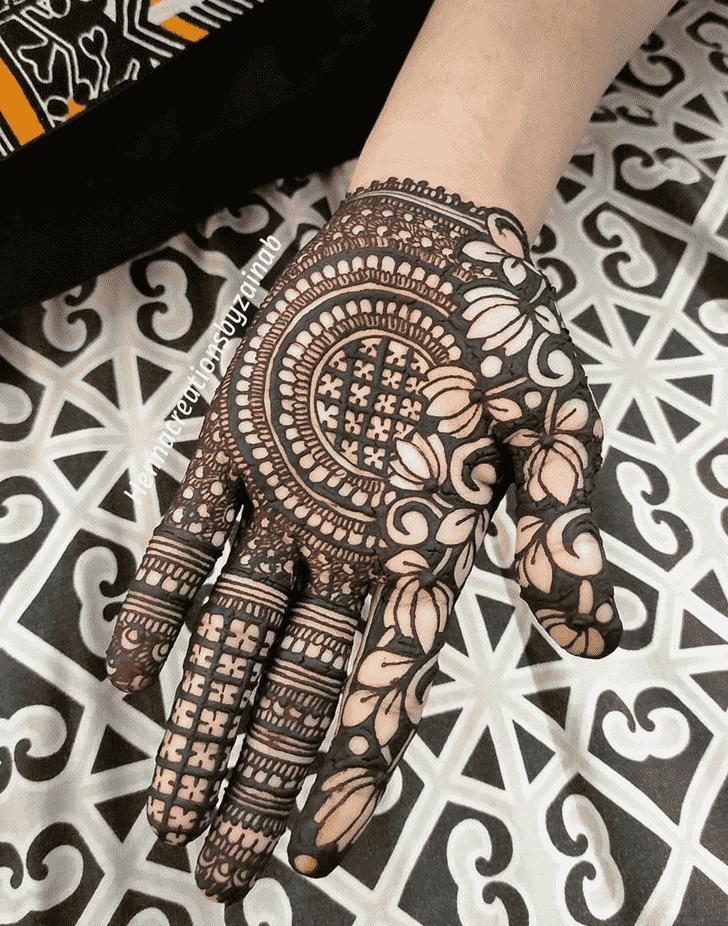 Enticing Lovely Henna design