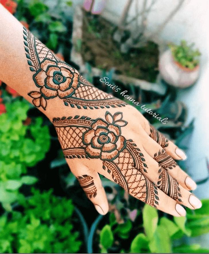 Pleasing Lovely Henna design