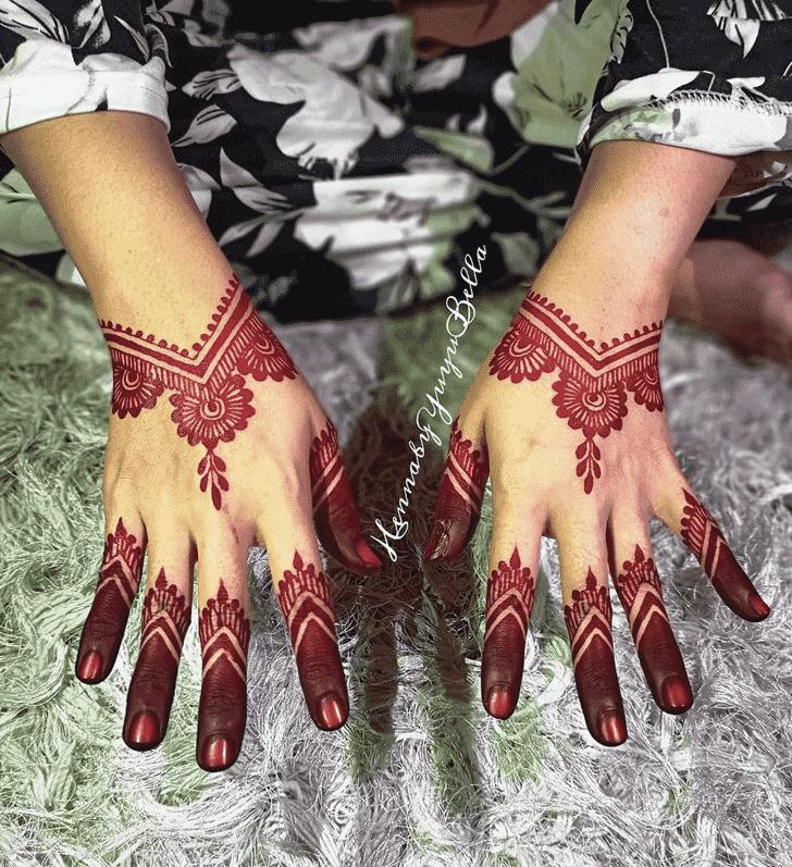 Shapely Lovely Henna design