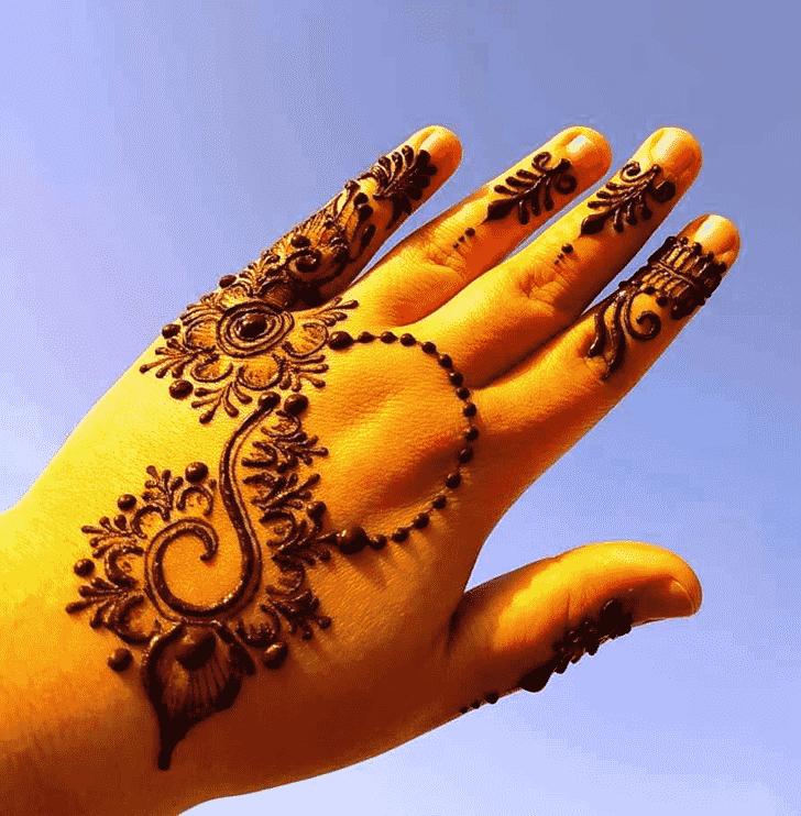 Splendid Lovely Henna design