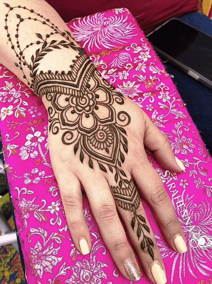 Beauteous Lucknow Henna Design