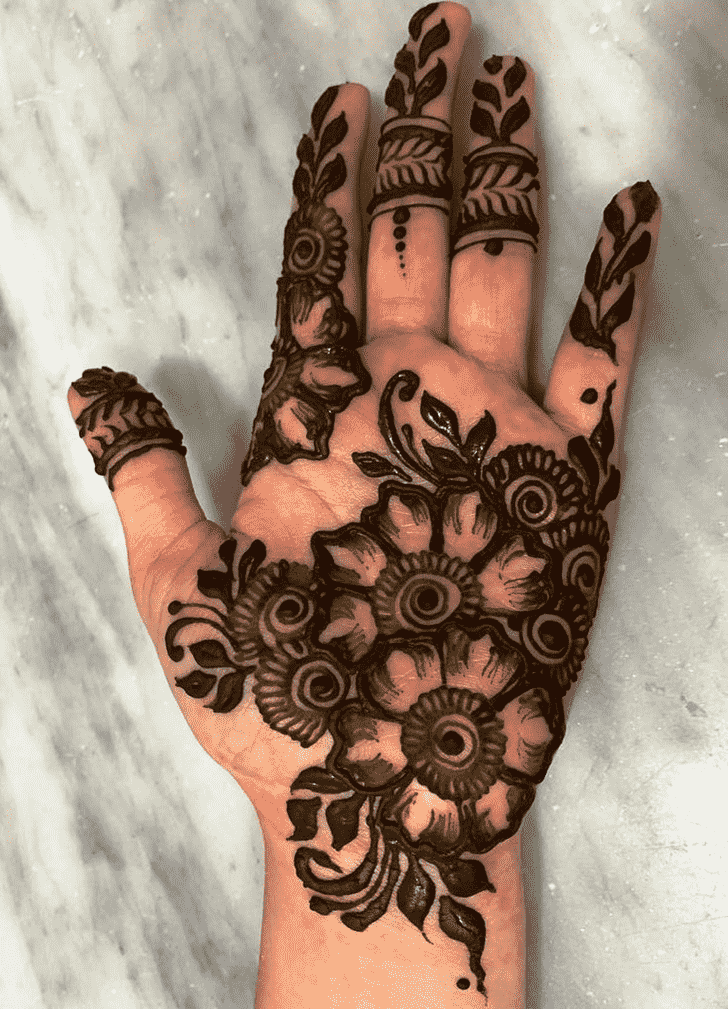 Bewitching Lucknow Henna Design