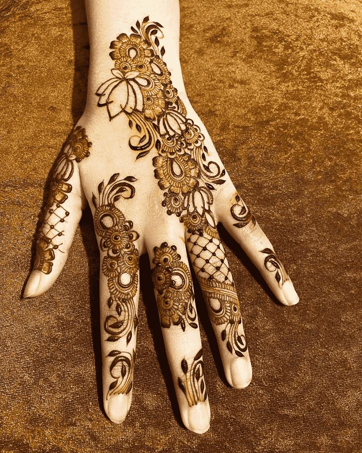 Adorable Madurai Henna Design