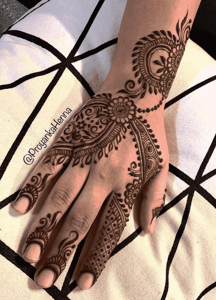 Good Looking Manipur Henna Design