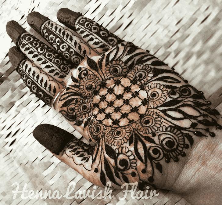 Bewitching Marwari Henna Design