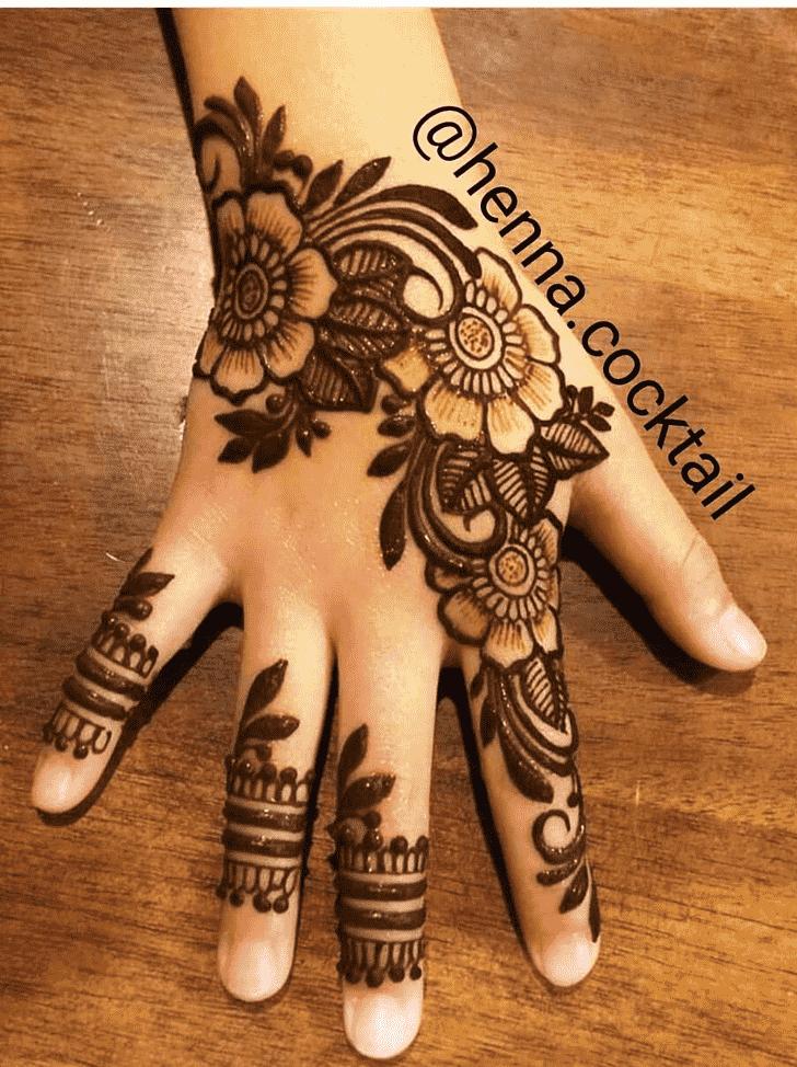 Graceful Massachusetts Henna Design